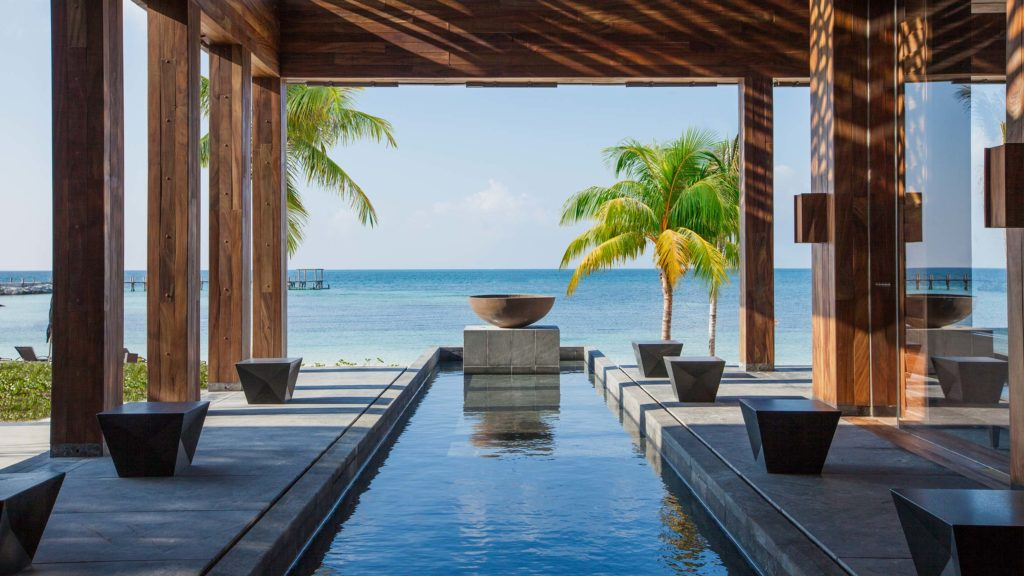 Nizuc Resort & Spa swimming pool